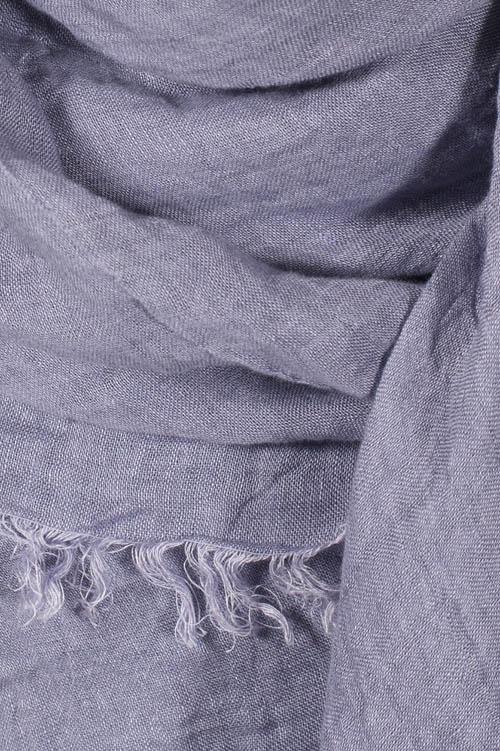 Damen-Tuch aus Leinen, violett, mit Fransen an allen Kanten.