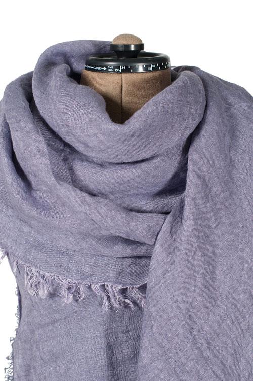 Damen Tuch aus Leinen violett.