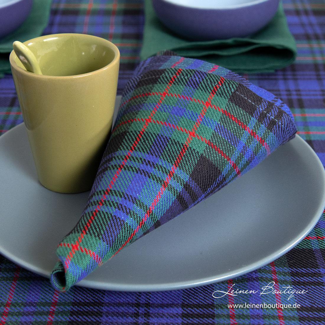 Halbleinen-Serviette mit blauen und grünen Karos